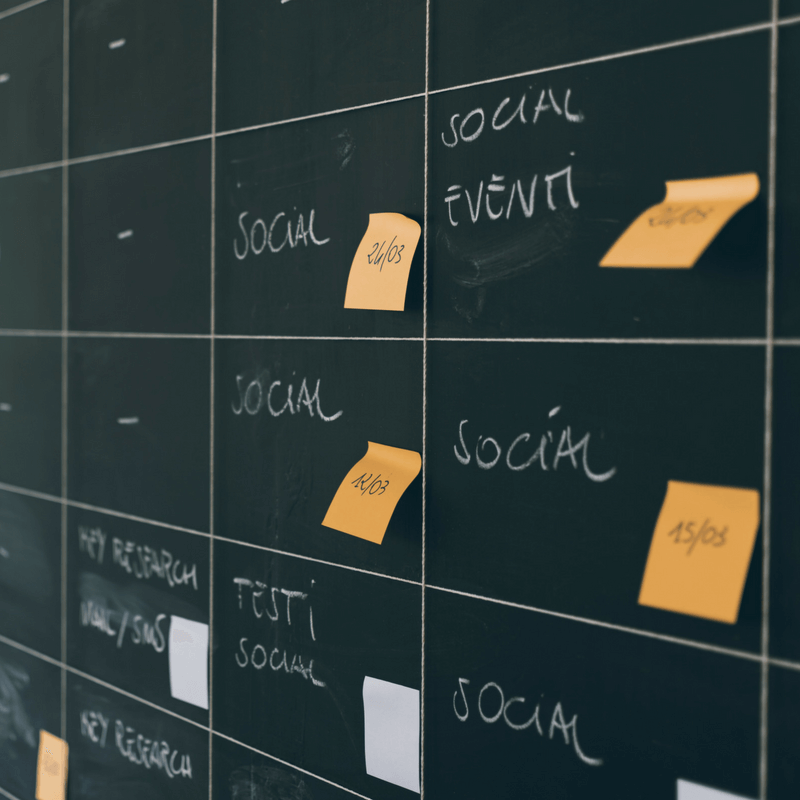 scheduling social media posts